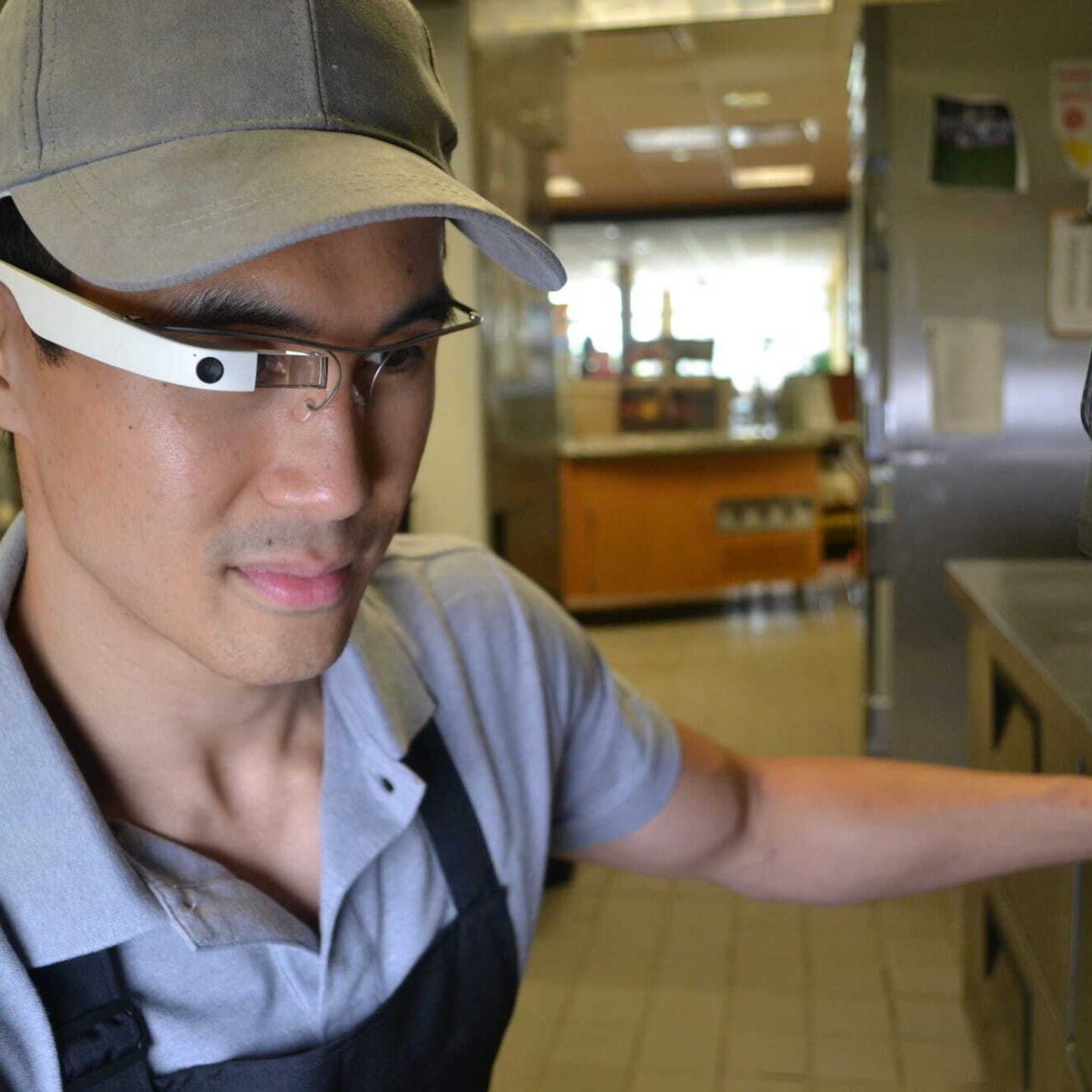 EyeSucceed worker - EyeSucceed Provides Wendy's AI Technology for Food Safety and Supplier Oversight