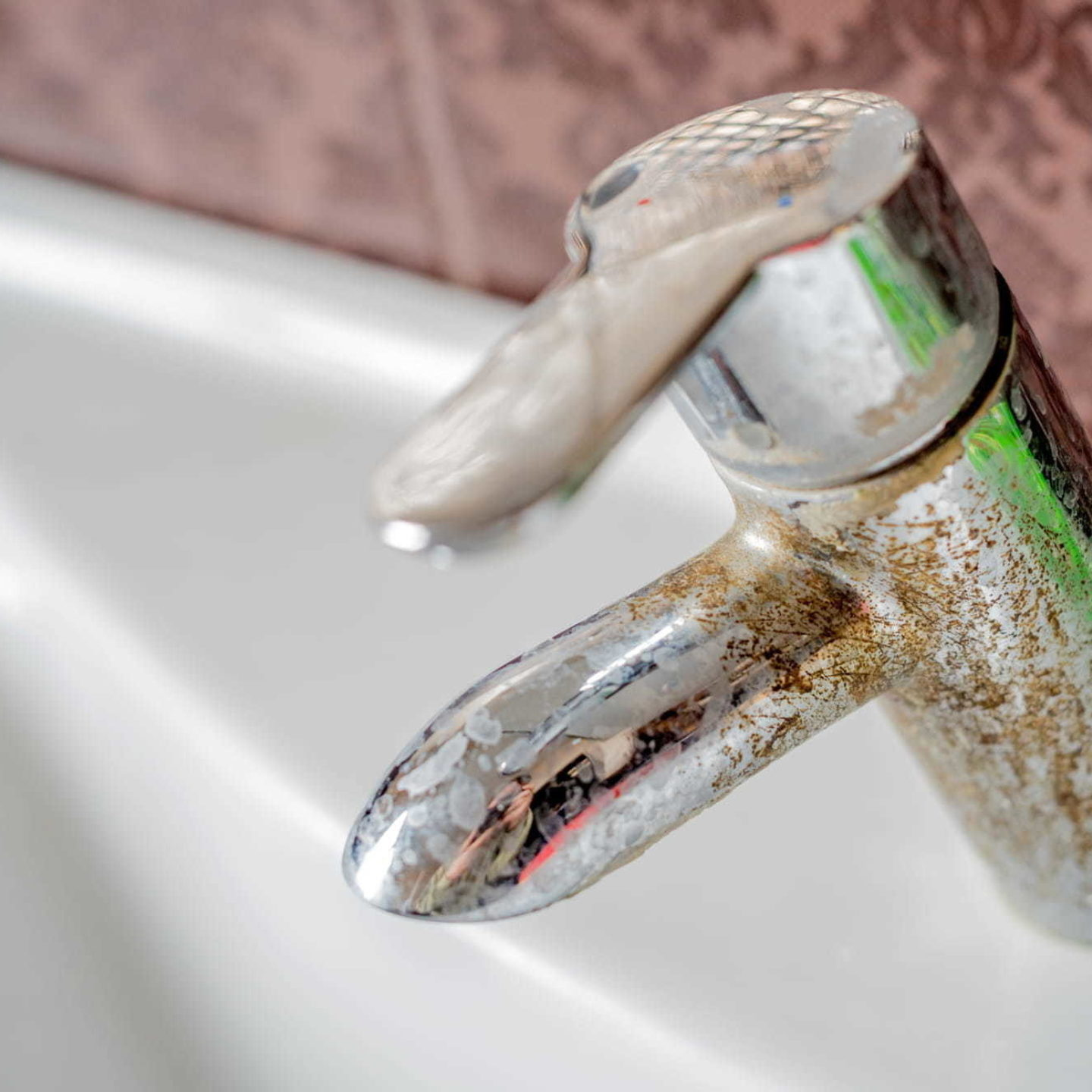 Faucet with hard water - The Hard Facts About Water - Our Softening Tips | NSF International