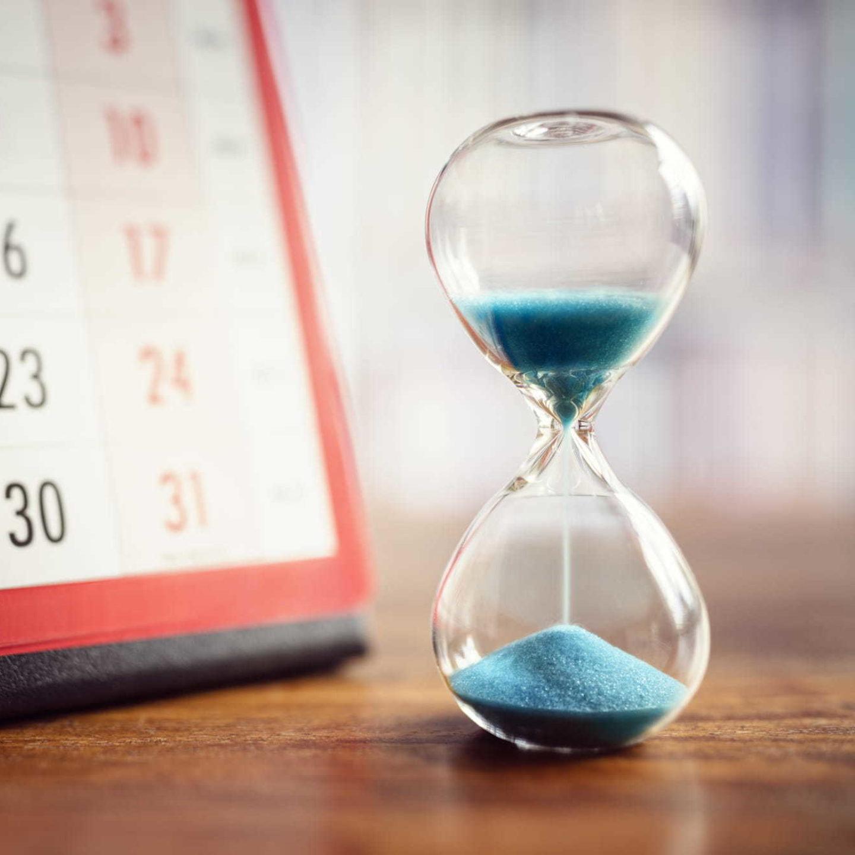 Hourglass and calendar - In Vitro Diagnostic Medical Device Regulation (IVDR) | NSF International