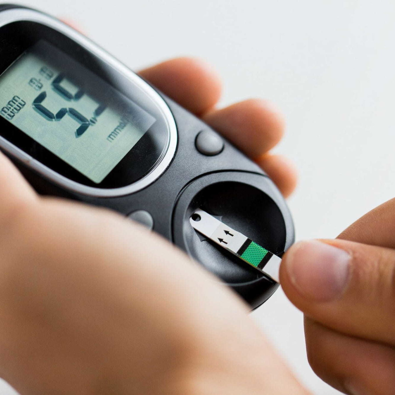 Glucose monitor medical device