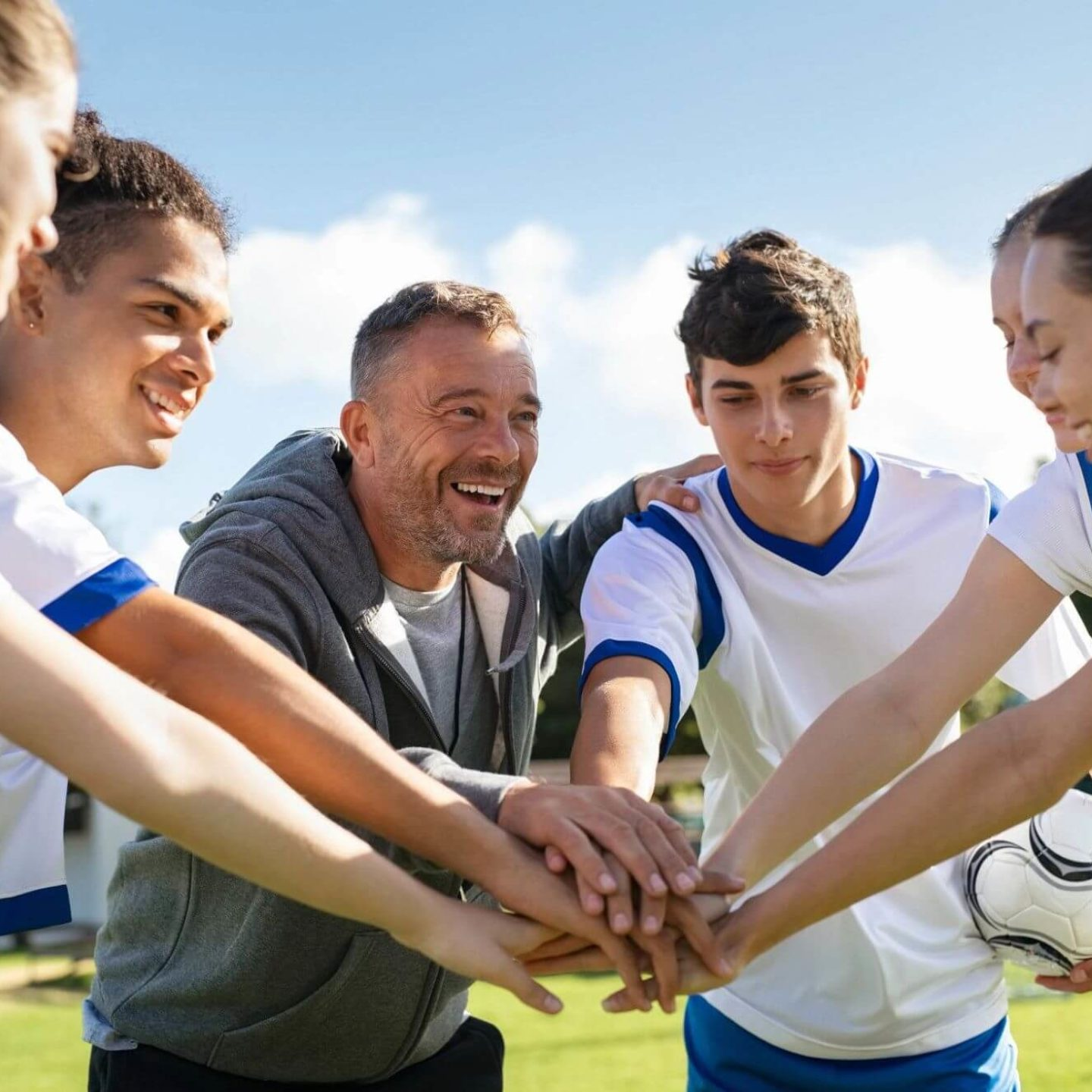 Team huddle - What Parents and Coaches Need to Know About Supplements for Student Athletes   NSF International