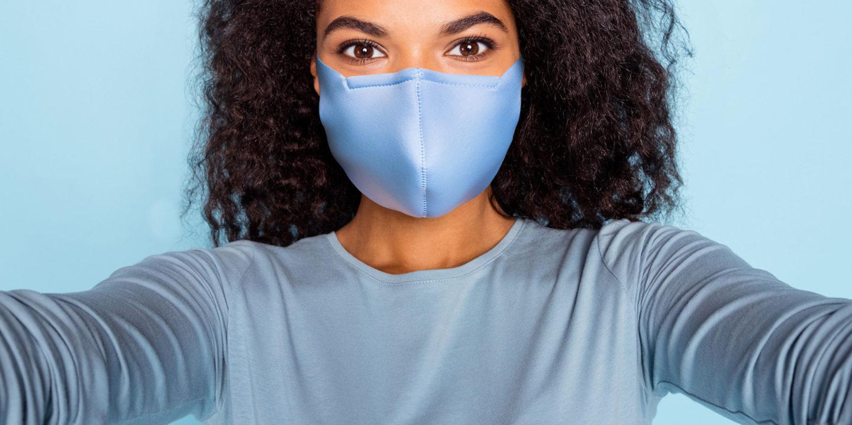 Black woman facemask close 152701251