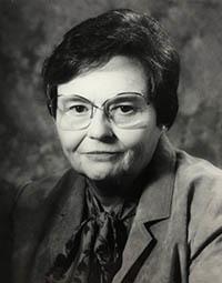 Dr. Nina McClelland