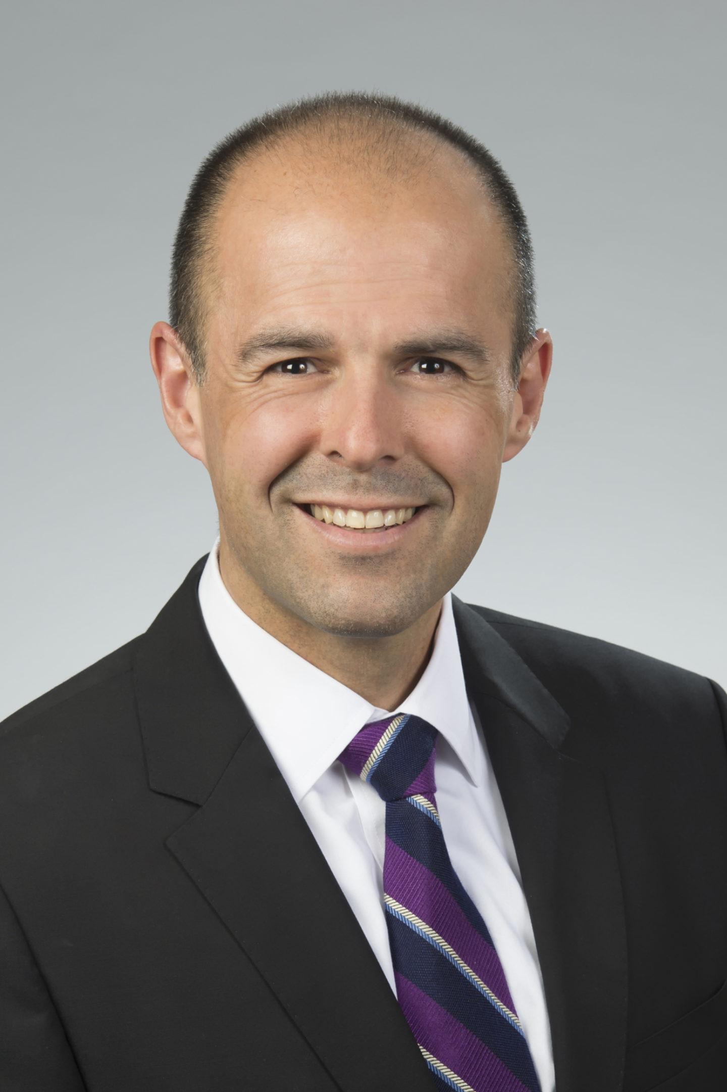 Paul Medeiros headshot