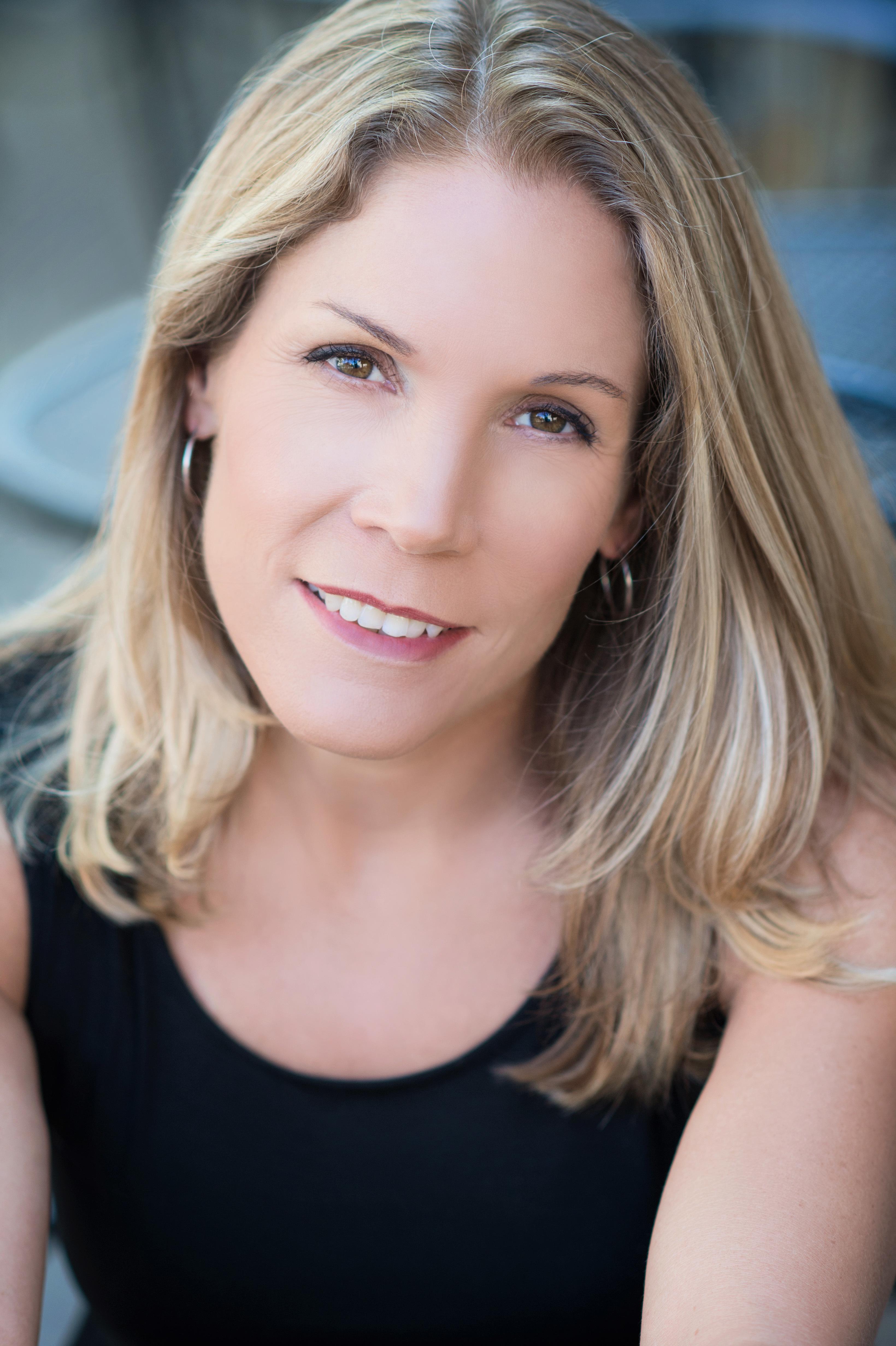 Julie Timmer headshot